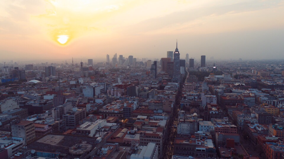 メキシコシティのドローン空撮画像
