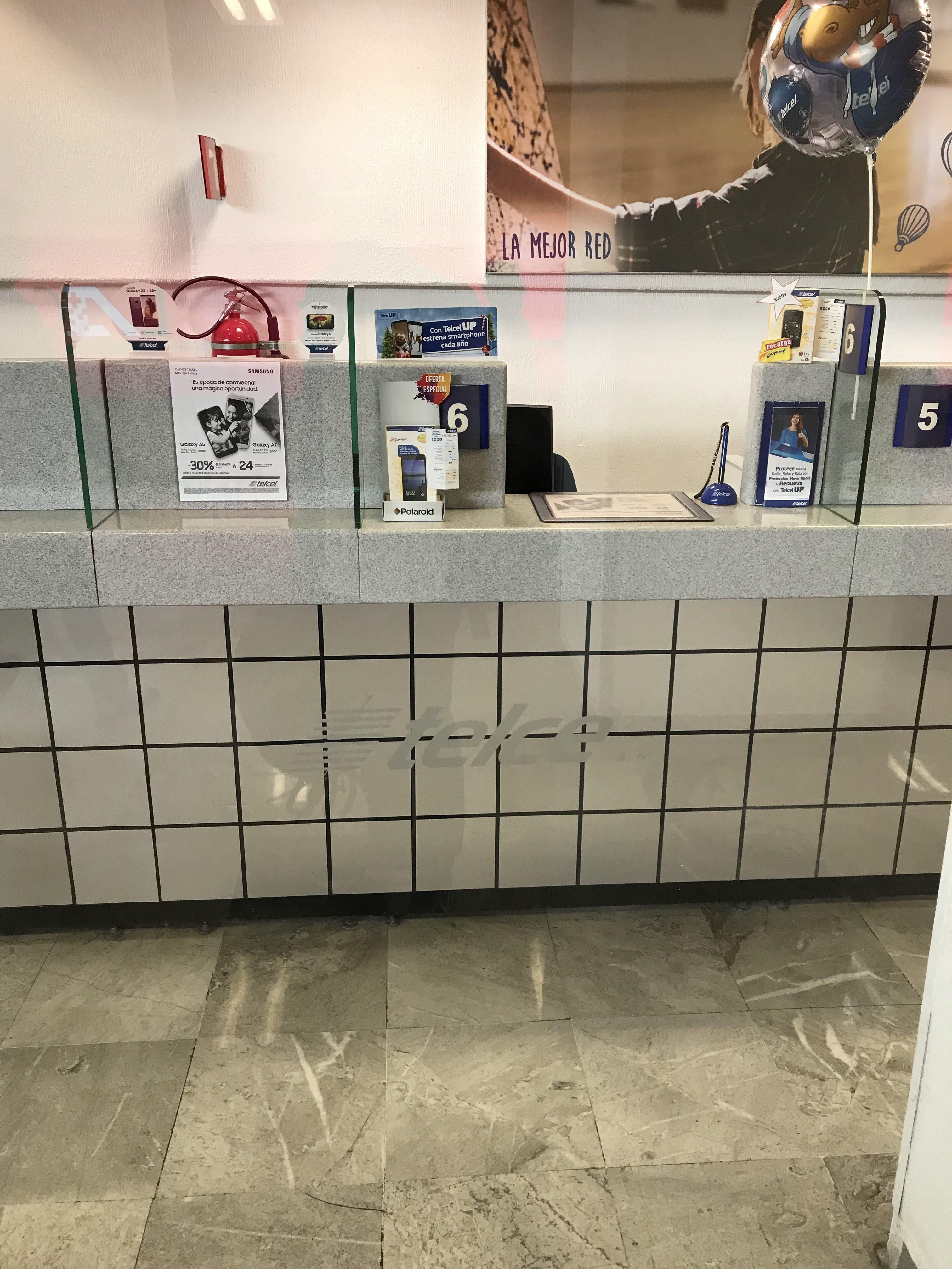 メキシコシティ空港のtelcel
