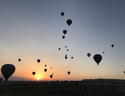 カッパドキアの気球をドローンで撮るチパコプター